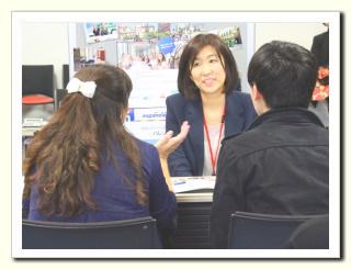 各学校のスタッフがスペイン留学フェアのために来日します。  学校の特徴やプログラム詳細はもちろん 街の様子や留学中の生活についてなど あなたが分からないことは直接聞いてみましょう。  留学前にスペイン語学校のスタッフとお話しできるのは スペイン留学フェアだけです。